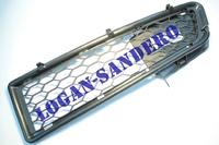 Решетка бампера передняя правая Логан до 2010 г.в.