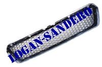 Решетка переднего бампера центральная Сандеро